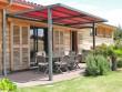 Une pergola colorée pour une terrasse de caractère