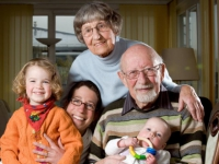 Les seniors veulent habiter près de leur famille