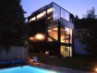 Une maison contemporaine entre transparence et opacité