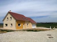 Des blocs en béton maçonné pour une maison BBC