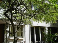 Une agence immobilière se spécialise dans les rez-de-chaussée
