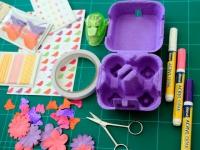 Des boîtes d'oeufs converties en objets déco