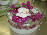 Décoration de fête : apprenez à créer un centre de table fleuri