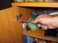 Réparer ou changer une charnière