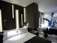 Paris/New-York dans un hôtel