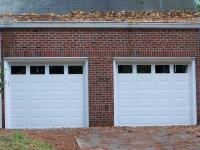 Des portes de garage fonctionnelles et design pour - Installation porte de garage basculante ...