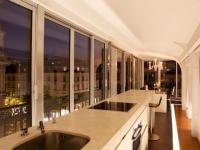 Un appartement comme un yacht flottant sur Paris