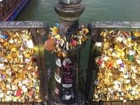 Le Pont des Arts, victime de l'amour