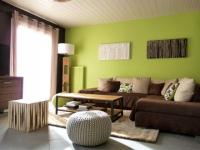 Rafraîchissement coloré pour un salon vieillissant