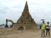 Un château de sable géant hommage à Oscar Niemeyer