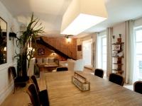 Trois logements réunis pour créer une maison familiale de 270m2