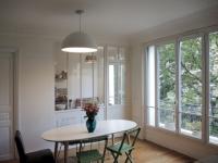 Aménager une cuisine : une verrière pour séparer sans cloisonner