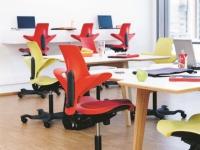 Une chaise ergonomique 100% plastique recyclé