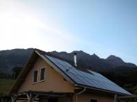 Une maison indépendante énergétiquement grâce à des panneaux solaires hybrides