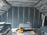 Une maison entièrement isolée à partir de jeans recyclés