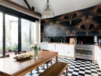 Osez le papier peint dans la cuisine !