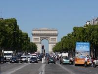 Locations saisonnières : Paris part en guerre contre Airbnb