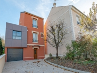 Avant/Après : Une maison de ville ose couleur et extension contemporaine
