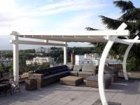 Deux pergolas, deux espaces sur une toiture terrasse