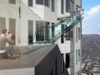 Skyslide, un toboggan de verre au 70e étage d'une tour