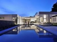 Jeux de symétrie et de niveaux pour une villa lyonnaise