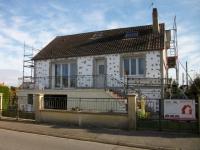 Isolation thermique par l'extérieur pour une maison des années 60 : les coulisses du chantier
