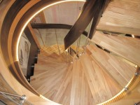 Senzu, un escalier qui masse les pieds