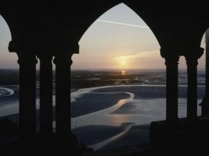 Le cloître de l'abbaye du Mont-Saint-Michel fait