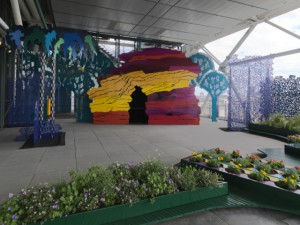 Un jardin poétique et ludique sur le toit du