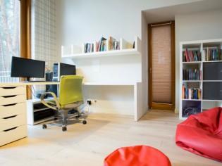 Créer un bureau dans un salon : combien ça coûte ?