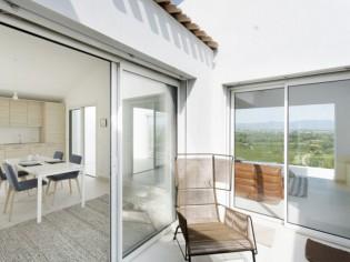 Dans l'Hérault, une villa concilie vue et intimité