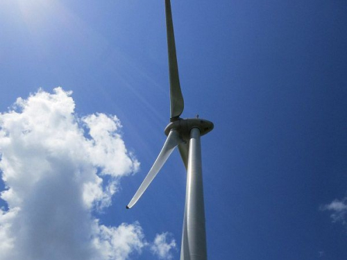 De plus en plus de particuliers financent les énergies renouvelables, voici pourquoi...