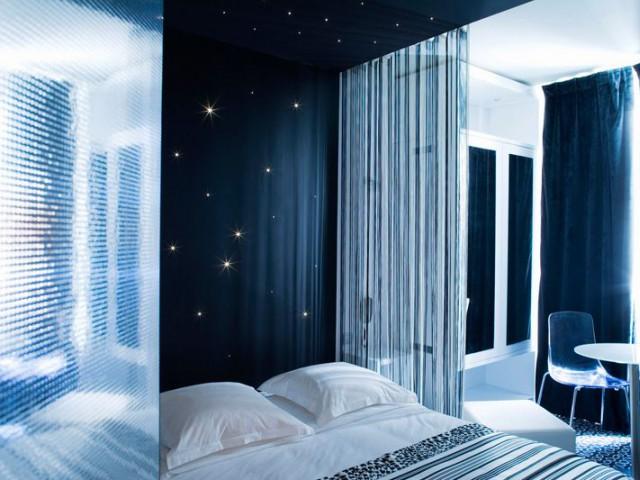 five hotel chambre bleue