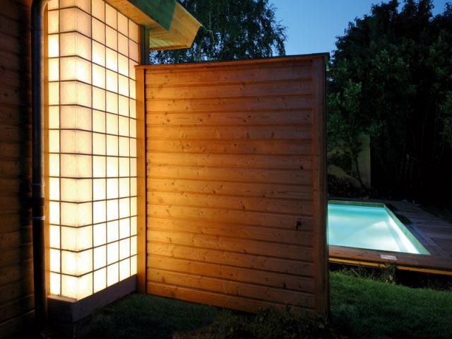 piscine comprise un r ve de bois. Black Bedroom Furniture Sets. Home Design Ideas