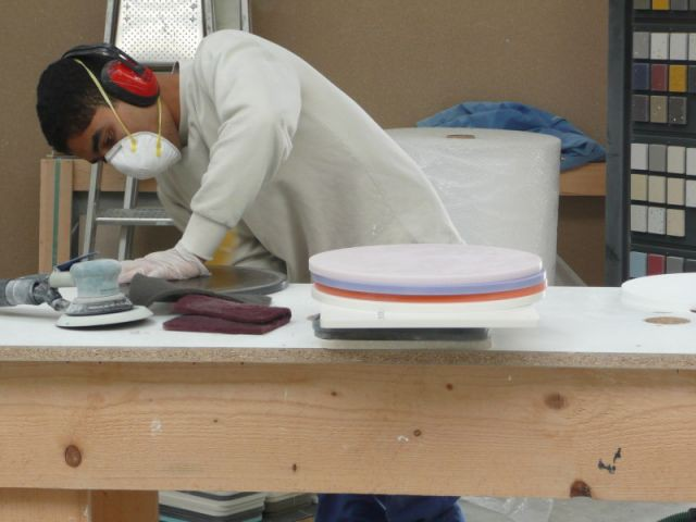 Ponçage 2/2 - Atelier STC - transformation Corian