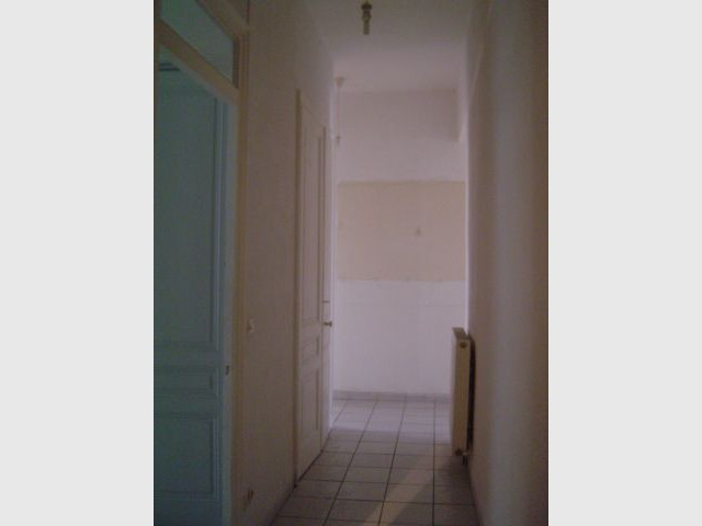 Avant apr s la r sine ligne directrice d 39 un appartement for Couloir appartement