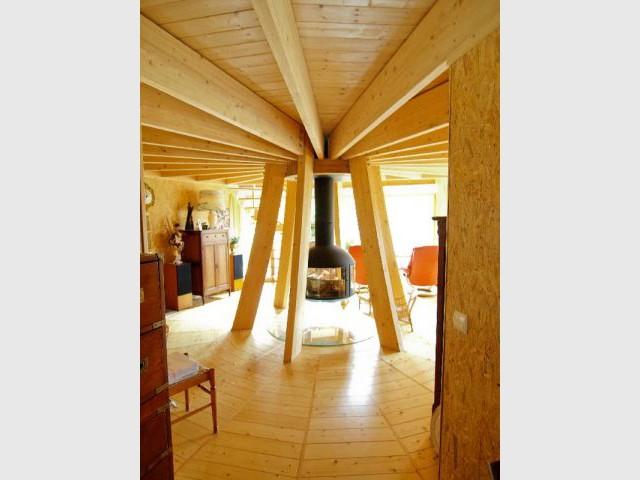 une maison qui tourne avec le soleil. Black Bedroom Furniture Sets. Home Design Ideas