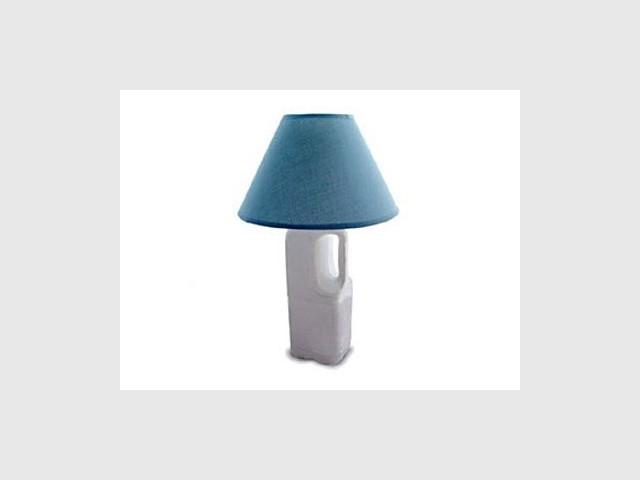 Une lampe-bidon