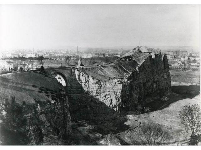 Les Buttes-Chaumont - Paris photographié au temps d'haussmann