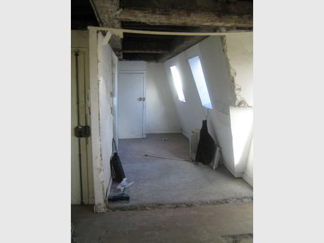Avant apr s des chambres de bonne converties en appartement for Chambre de bonne definition