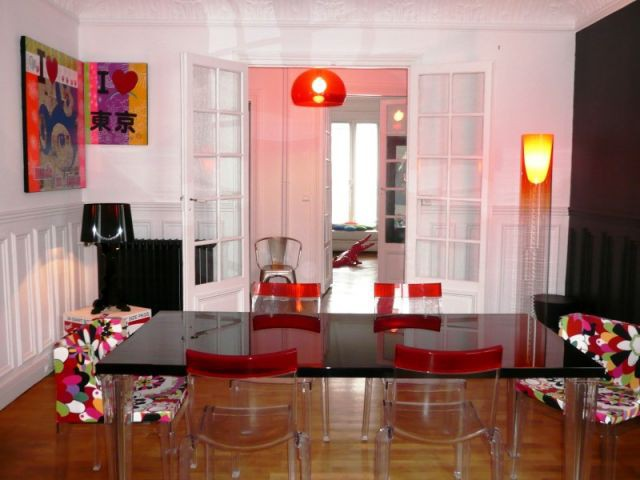 1 haussmannien aux accents pop. Black Bedroom Furniture Sets. Home Design Ideas