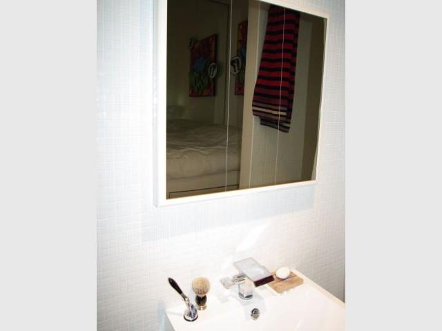 1 mini loft qui a tout d 39 1 grand for Miroir chauffant