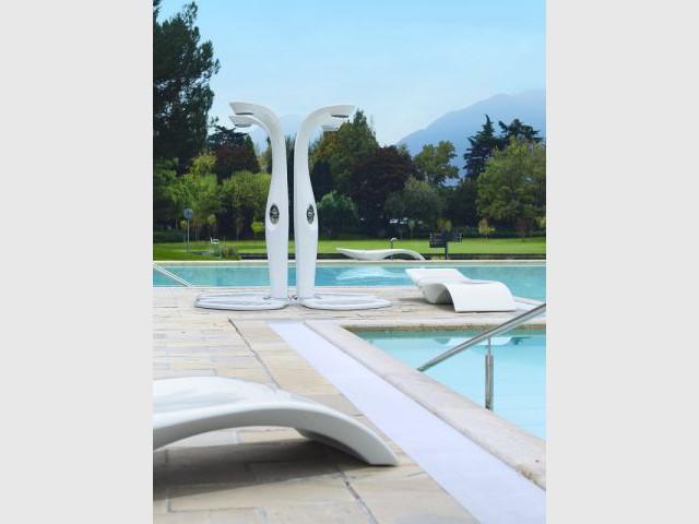 Embellir sa piscine for Prix piscine aquilus