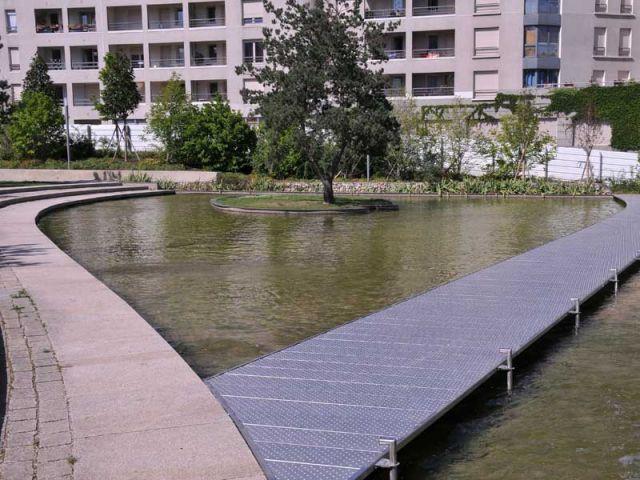 Lyon le nouveau quartier la buire prend vie for Bassin a debordement