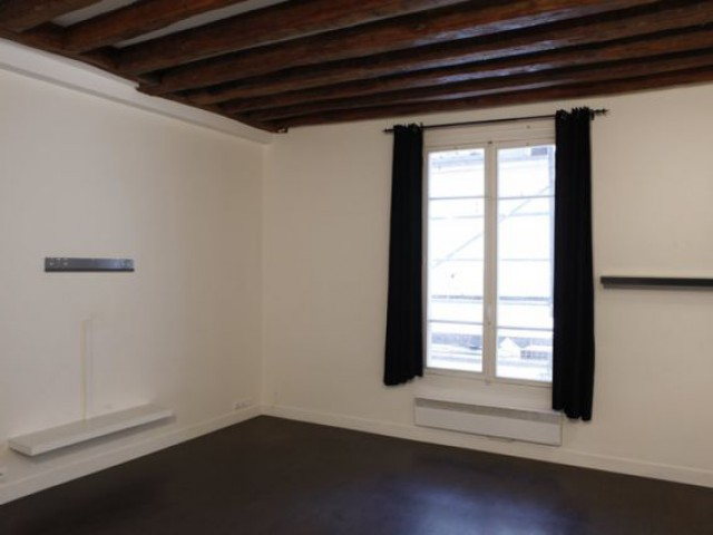1 couple rel ve le d fi de meubler son appartement for Meubler son appartement