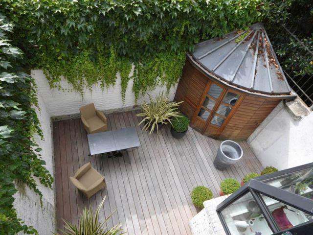 10 id es pour organiser la vie autour d 39 un patio. Black Bedroom Furniture Sets. Home Design Ideas