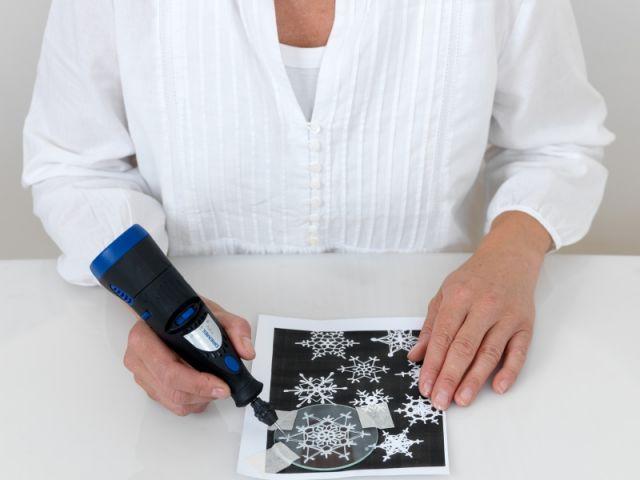 Etape 1 : Gravure des disques de verre - Pas à pas Noel