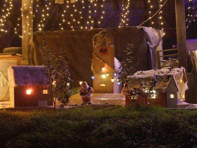 Le village du Père Noël - Noel maison illuminée 2010