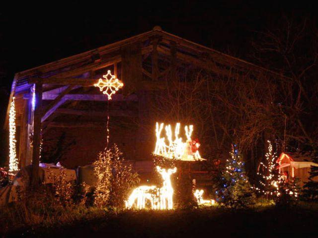 La croix occitane - Noel maison illuminée 2010