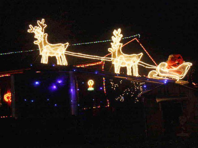 Le traîneau - Noel maison illuminée 2010